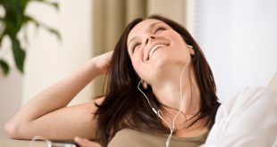 Audiobooks vs Reading – Is the Debate Really a Valid One?