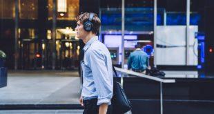 Why Hustling Entrepreneurs Should Follow Gary Vaynerchuk Today